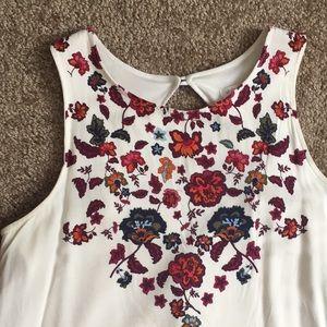 •• Floral Shift Dress ••